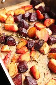 cuisiner la betterave un peu dans les coings betterave et panais rôtis au four à