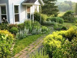 garden ideas for front yard small space garden trends