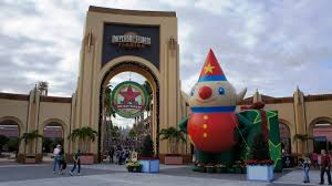celebrate the season at universal orlando resort kingdom magic