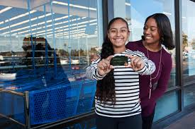 debit cards for kids greenlight raises 7 5 million so parents can provide a smart