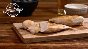 cuisiner des blancs de poulet moelleux blanc de poulet rôti dans les règles de l