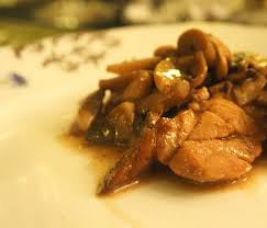 cuisiner ris de veau ris de veau aux chignons à la sauce madère la recette de mamie