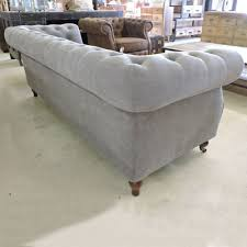 canap chesterfield gris les salons