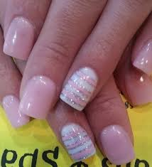light pink nails but with gold instead of silver cute