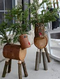 log reindeer 5 unique ideas of using logs as outdoor christmas decoration woodz