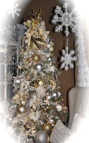 White Christmas Tree With Gold Decorations 223 Best Northern Lights Christmas Images On Pinterest Northern