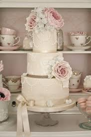 vintage wedding cakes wedding cakes vintage wedding cakes with lace and pearls how to