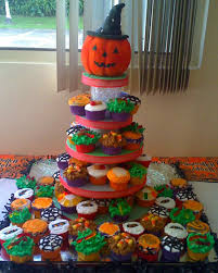 Halloween Cake Stands Your Best Halloween Creations Martha Stewart