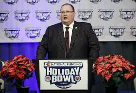 holiday bowl overshadowed by gophers u0027 off field issues