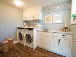 traditional laundry room decor with antonius system utility room