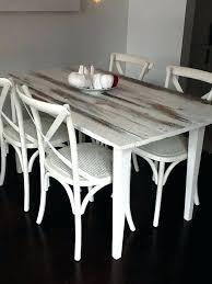 repeindre une table de cuisine en bois peinture table cuisine la cuisine grise se fait design en gris et