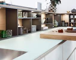 arbeitsplatte für küche moderne arbeitsplatten küchenarbeitsplatte aus glas leicht
