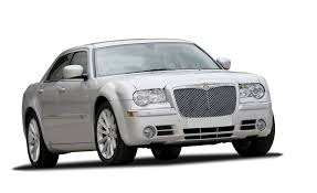 chrysler 300c saloon 2005 2010 review carbuyer