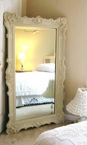 grand objet deco design comment décorer avec le grand miroir ancien idées en photos