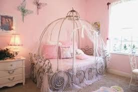 chambre de princesse deco chambre bebe disney finest deco chambre fille princesse