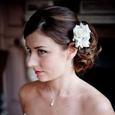 bridesmaid hair accessories top tips for your bridesmaids hair accessories