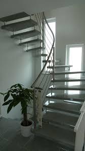 treppen aus granit freitragende treppe aus naturstein granit marmor silestone und