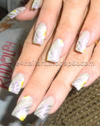 love4nailart neutral nail art design with daisies neutral nail