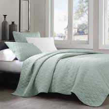 Lightweight Comforters Bedroom Wonderful Queen Bedspreads For Bedroom Decoration Ideas