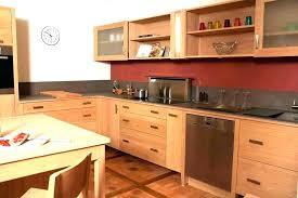 repeindre une cuisine en chene vernis repeindre meuble de cuisine cuisine a cuisine en re cuisine