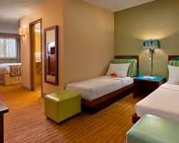 Danvers Hotel Rooms Suites DoubleTree By Hilton Hotel Boston - Hilton family room