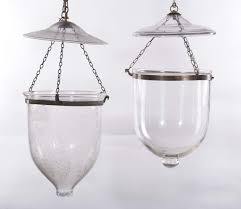ladari stile antico due ladari differenti in stile antico in bronzo e vetro