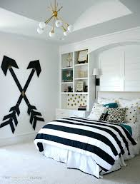 Girls Bedroom Kelly Green Carpet Wooden Wall Arrows Pottery Barn Inspired Wooden Walls And Arrow