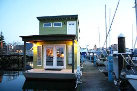 5 Bedroom Houseboat The Tiny Sweet Pea Is The First Houseboat To Be Certified By Build