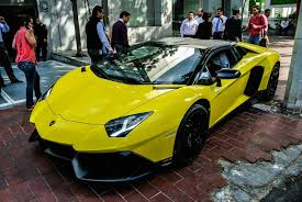 lamborghini aventador roadster yellow lamborghini aventador lp720 4 images yellow painted lamborghini