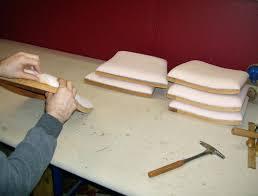 mousse de canapé mousse pour assise de chaise refection mousse canape quelle