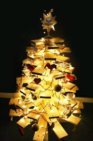 6 ways to decorate a wooden christmas tree the hip horticulturist