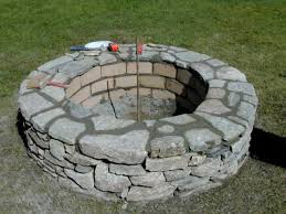 Stone Patio With Fire Pit How To Build A Stone Fire Pit How Tos Diy