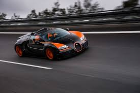 bugatti veyron gs vitesse sets new open top speed record at 409km