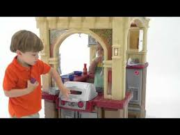 Walk In Play Kitchen by Step2 Grand Walk In Kitchen U0026 Grill Youtube