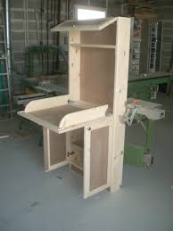 fabriquer porte de grange dans un style moderne table à langer murale en médium et sapin