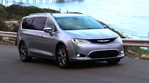 luxury minivan 2016 2017 chrysler pacifica first drive autoblog