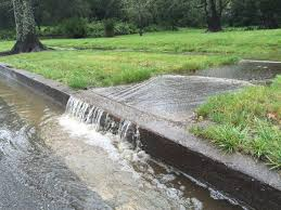 help customers avoid soil erosion and runoff mirimichi green