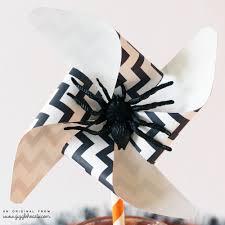 printable chevron halloween pinwheels with a fun place card idea