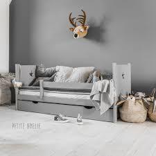 chambre bébé et gris lit enfant nuit gris avec étoile par amélie dès 199 00