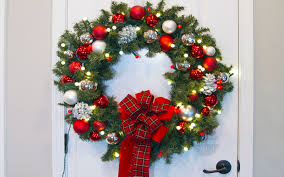diy window wreaths paint yourself a smile