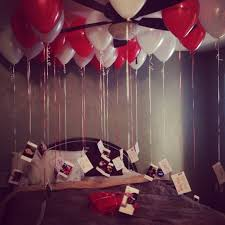 balloons for him valentines day gift idea for him hang pictures at the bottom of