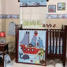 kinderzimmer pirat babyzimmer pirat mit affen piraten wandbilder mit schiffen und