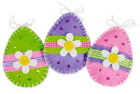 felt easter eggs myo felt egg decorations easy easter bonnet tierra este 44623