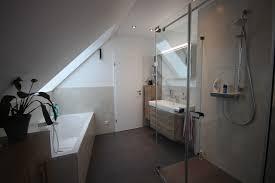 badezimmer mit schräge bad mit schräge dusche und wanne modern badezimmer köln