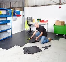 Viynl Floor Tiles Interlocking Vinyl Floor Tiles Flooring Heavy Duty Gym Garage