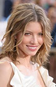 short haircusts for fine sllightly wavy hair short hairstyles for oval faces with wavy hair