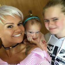 dylan shaircut kerry katona gets haircut to match daughter dylan jorge daily