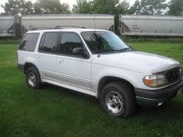 2001 ford explorer xls 2001 white ford explorer xlt 4wd fair condition runs drives needs