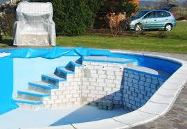 pool treppe poolbau nach wunsch individuelle pools freie pool formen