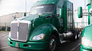new kenworth trucks saltchuk paccar bringing new lng powered trucks to seattle area